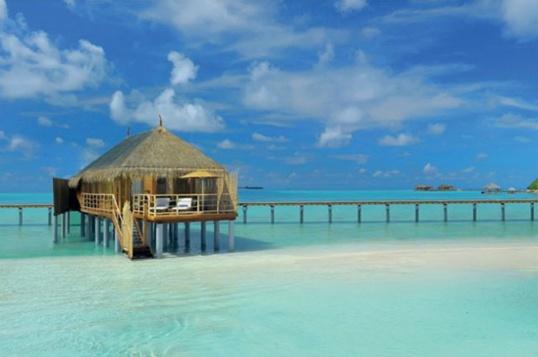 Idyllic-Hotel-Maldives-640x435